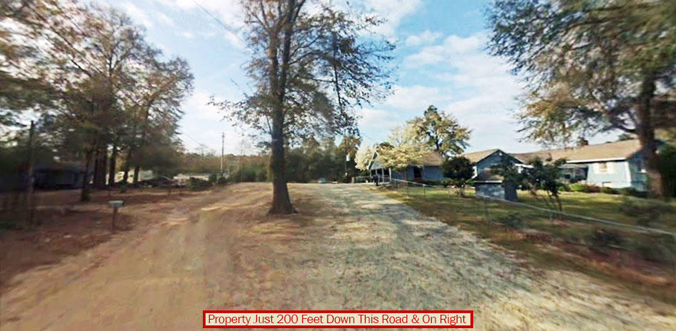 1+ Acre Property on the edge of Charming Georgia Town - Image 4