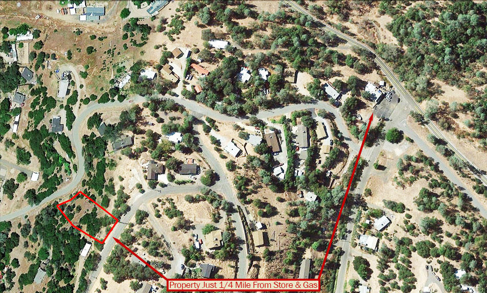 Hillside Property Surrounded by Homes 20 minutes from Lake Shasta - Image 6