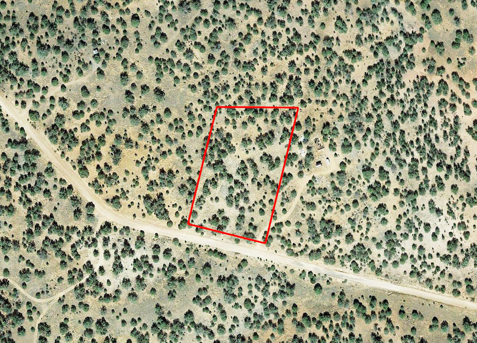 Over Two Acres near Seligman - Image 2