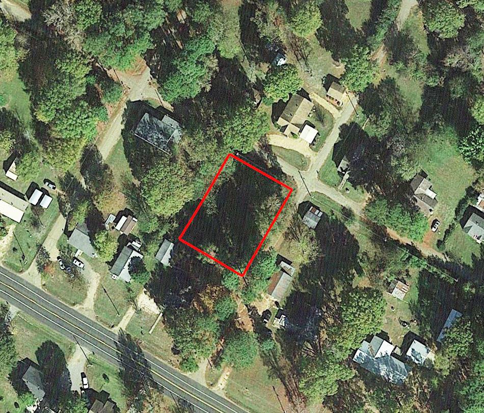 Beautiful Corner Lot is Prime Real Estate - Image 1