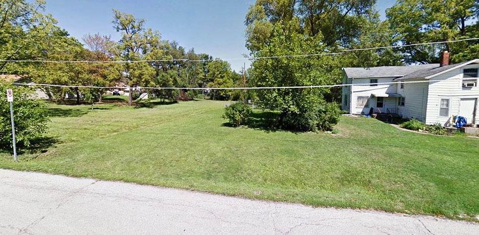 Large Residential Lot in Sweet Suburb of Chicago - Image 4