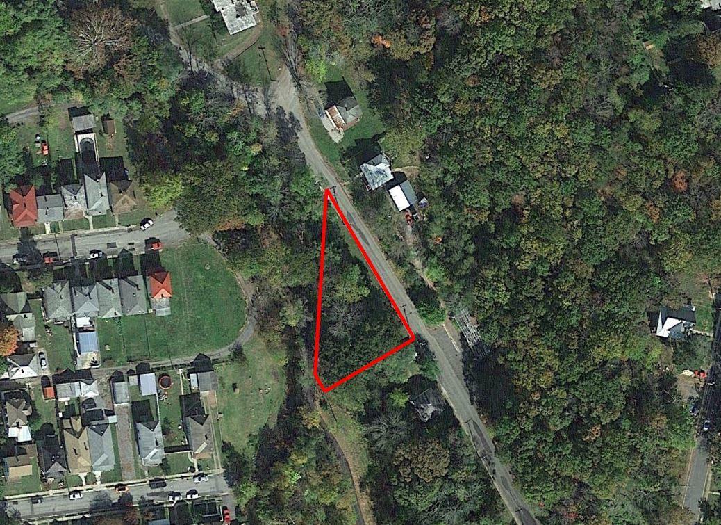 Sloped Quarter Acre in Scenic Virginia Community - Image 0