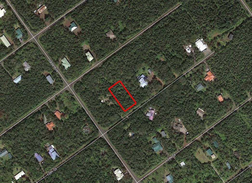 Almost Half an Acre in Quiet Hawaii Subdivision - Image 1