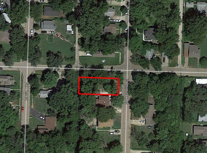 Appealing Corner Lot in Heart of Topeka - Image 2