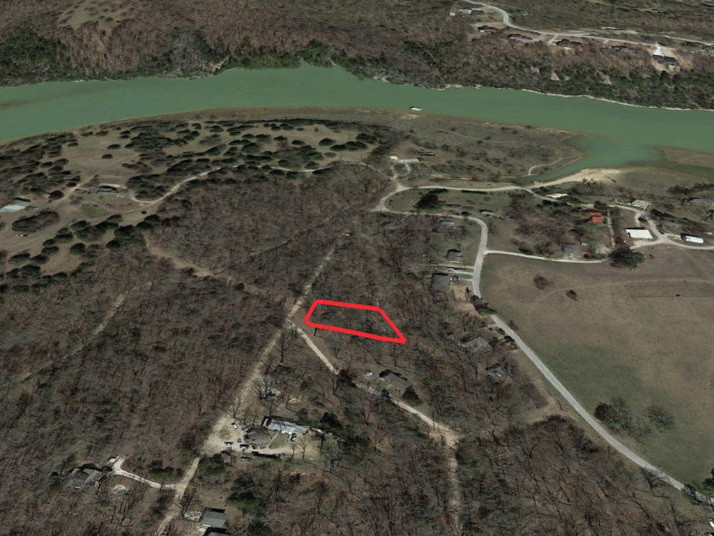 Almost Half Acre Property South of Beaver Lake - Image 2