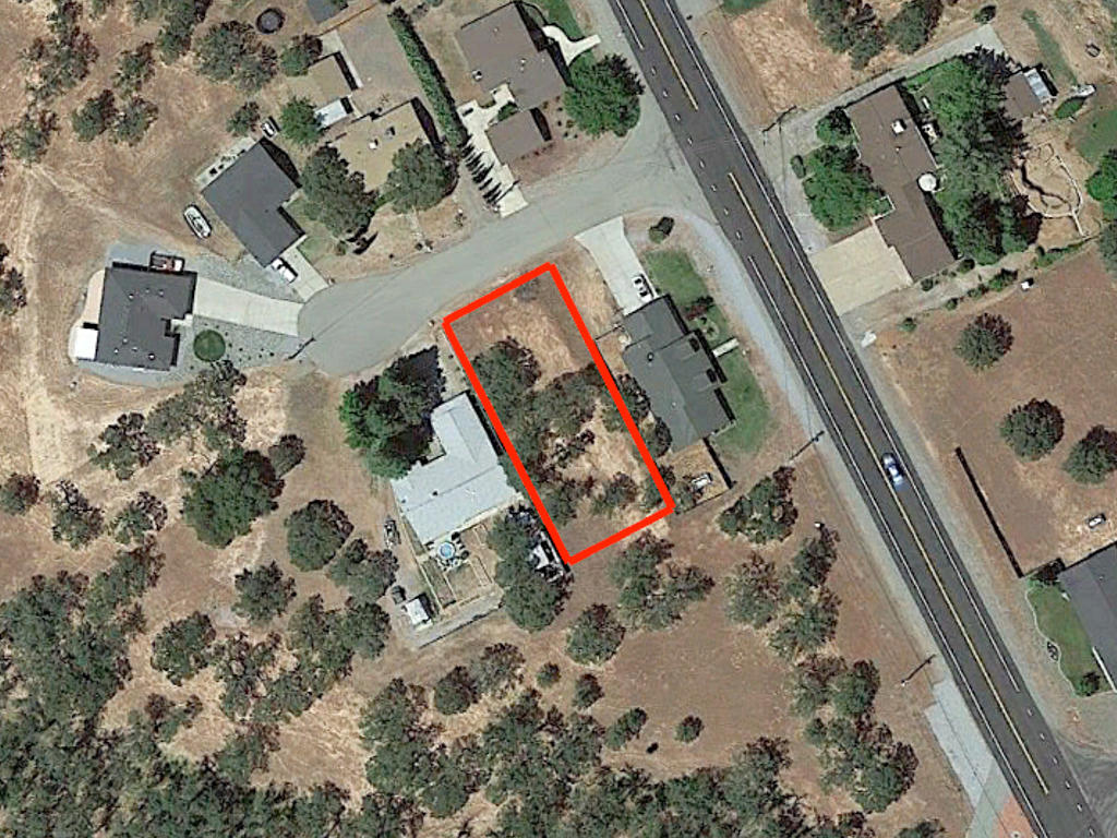 Wonderful Cottonwood Residential Lot on Dead End Street in California - Image 1