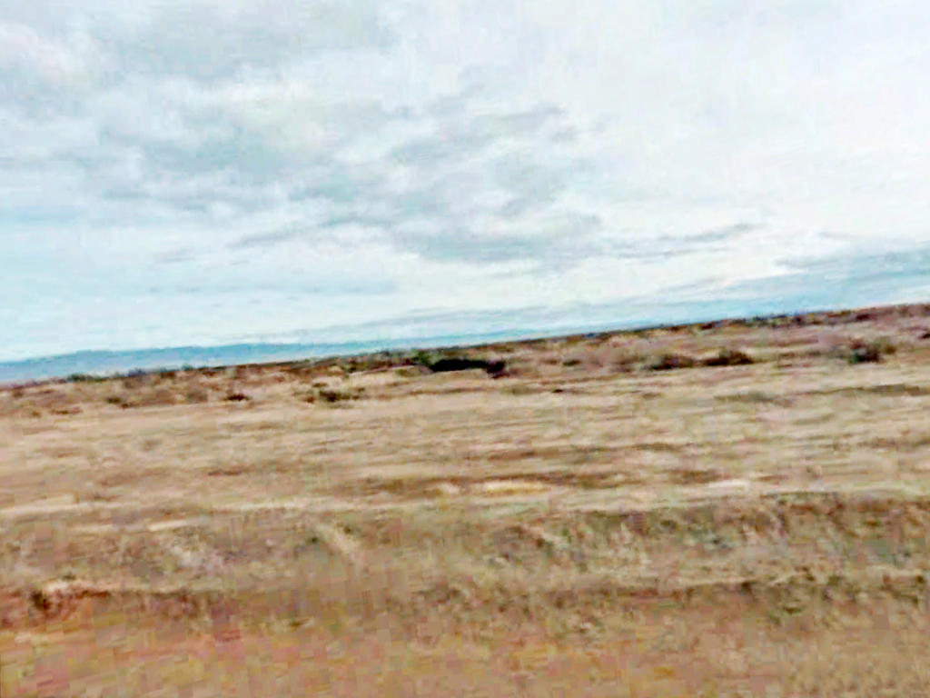 Quarter Acre Lot near the Gorgeous Salton Sea - Image 4