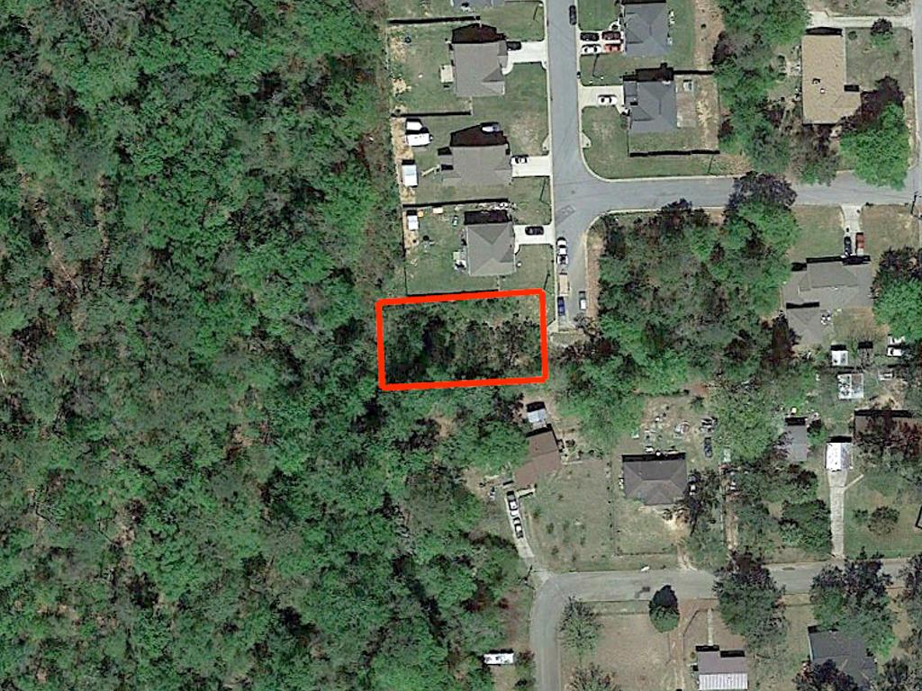 Quarter Acre Lot in Nice Alabama Neighborhood in Phenix - Image 2