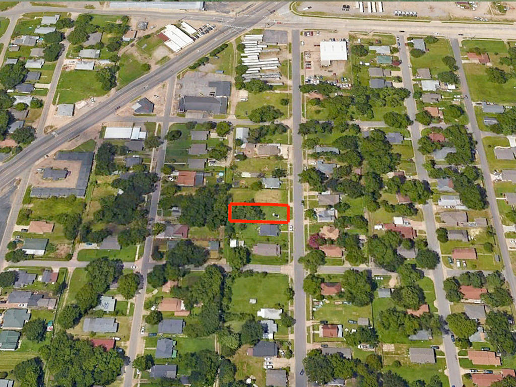 Cleared City Lot with Excellent Potential - Image 2