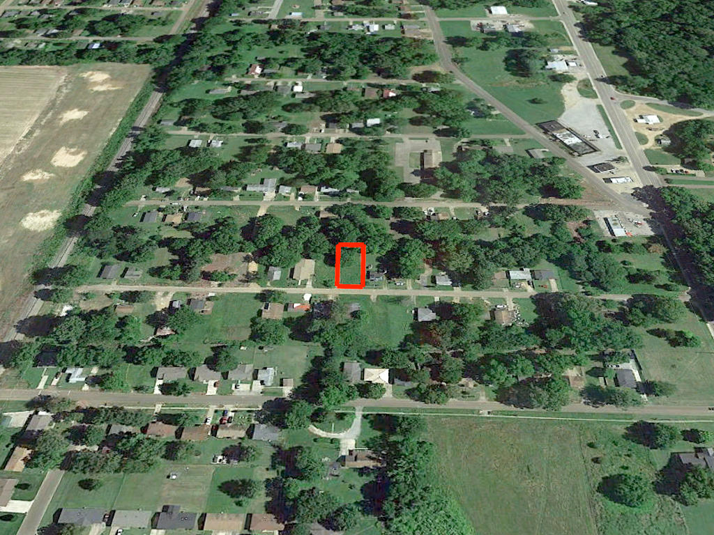 Pretty Lot Located in Forrest City - Image 3