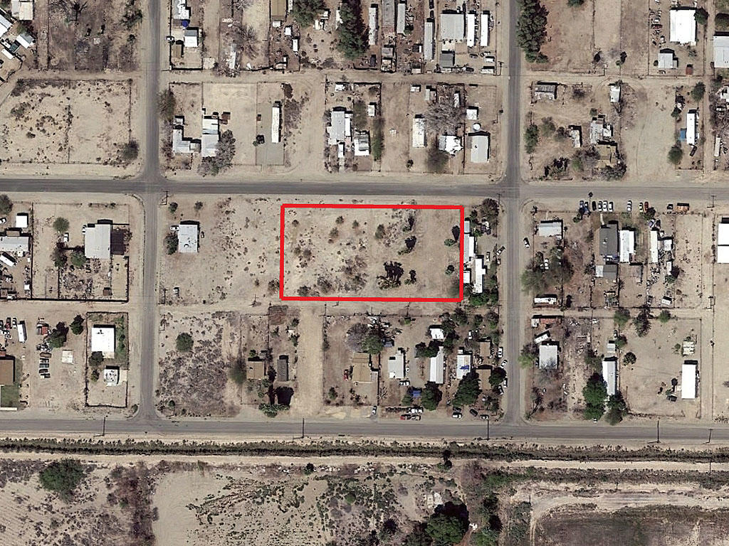 Over 1 Acre Residential Lot in Niland - Image 1