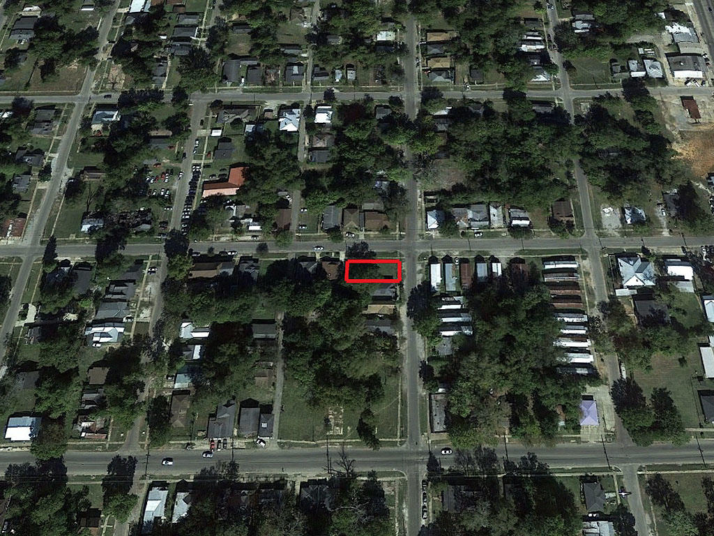 Invest in a Quiet Neighborhood Property in Selma - Image 3