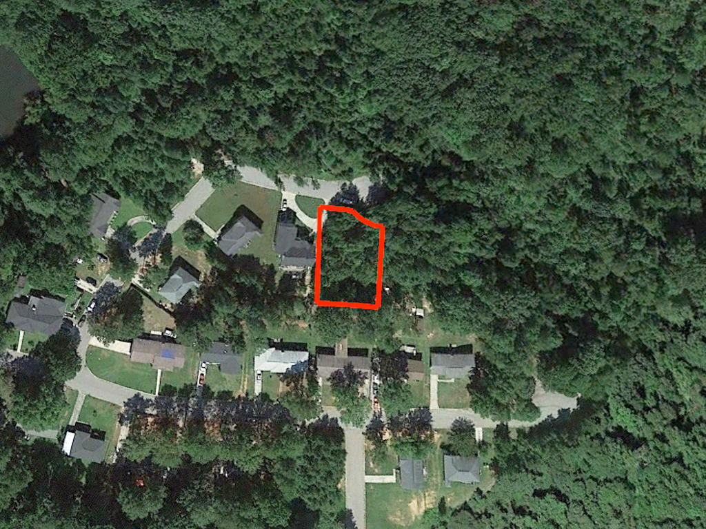Over a quarter acre in Columbia - Image 1
