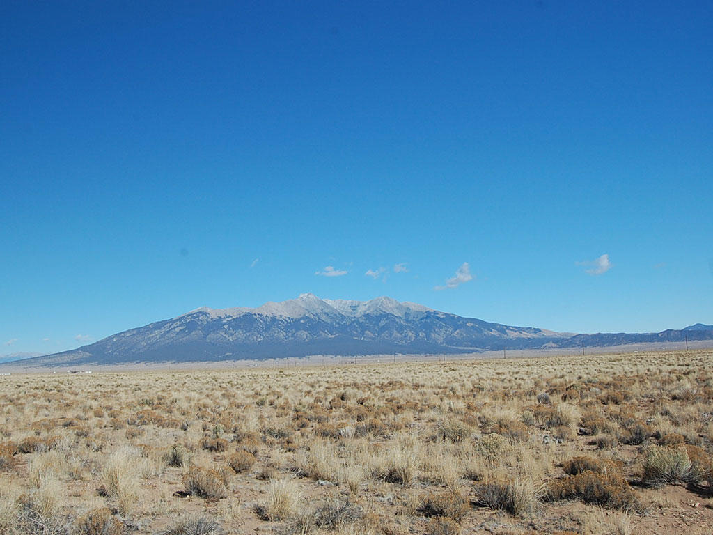 Five acres with mountain views - Image 3