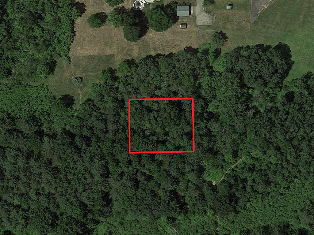 Private New York Property - Image 1