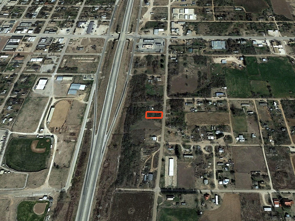 Quarter Acre City Lot in Haskell Texas - Image 2