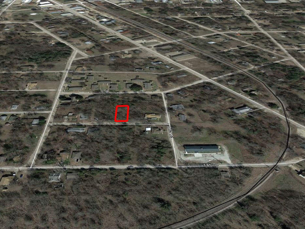 Treed City Lot in Eastern Texas - Image 3