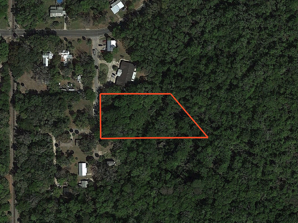 Private Acre in Palatka Florida - Image 1