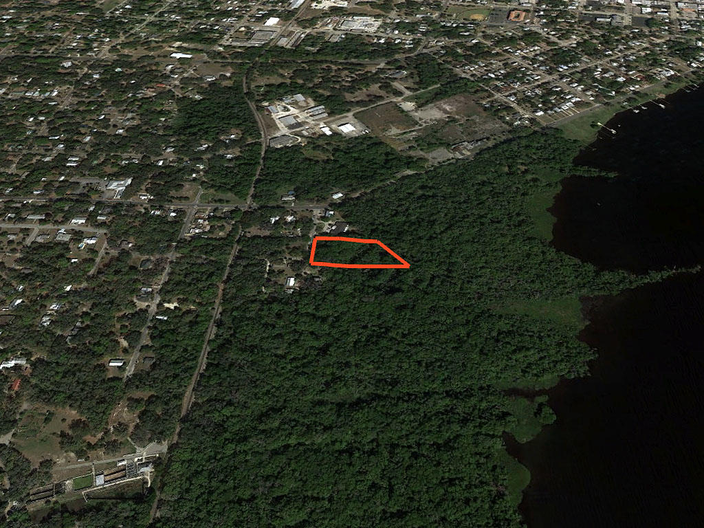 Private Acre in Palatka Florida - Image 2