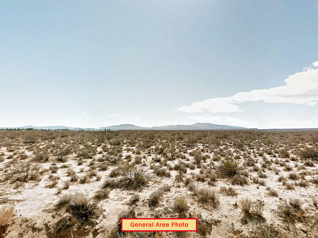 Desert Living on Expansive Five Acres - Image 3