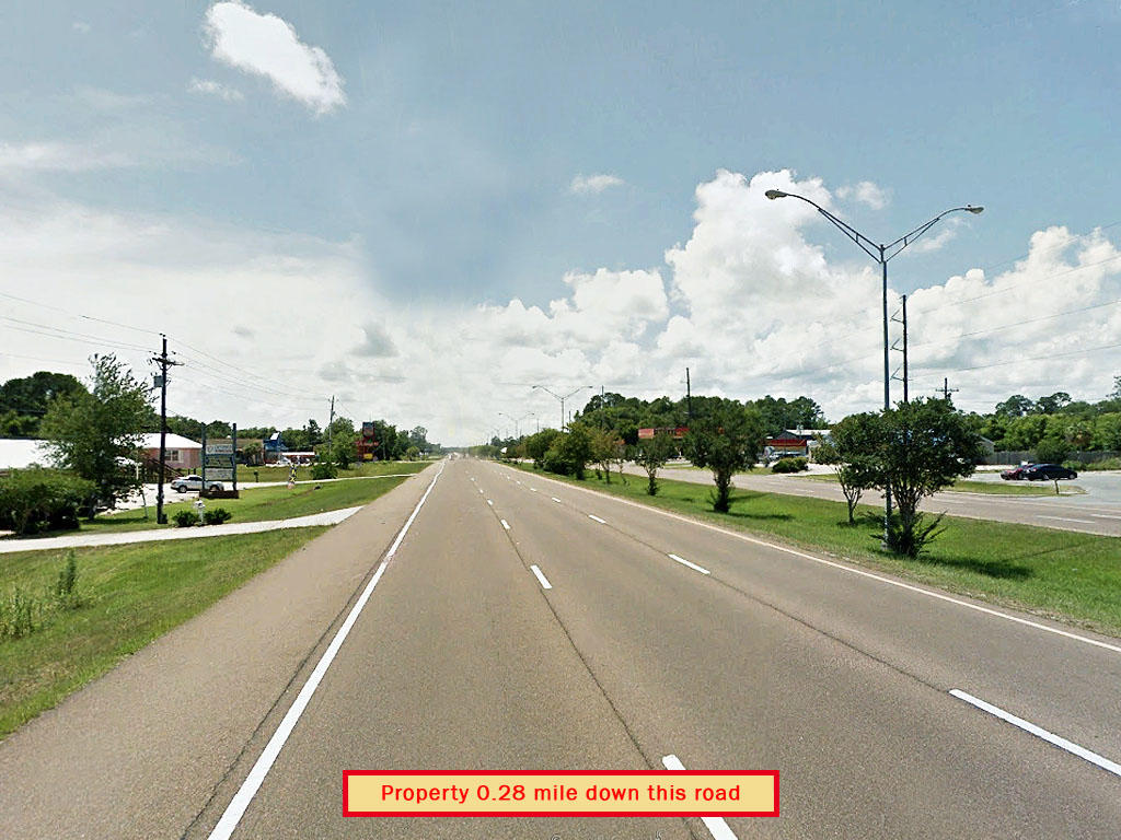 Investment or A Home of Your Own on this Lot Near the Gulf of Mexico - Image 4