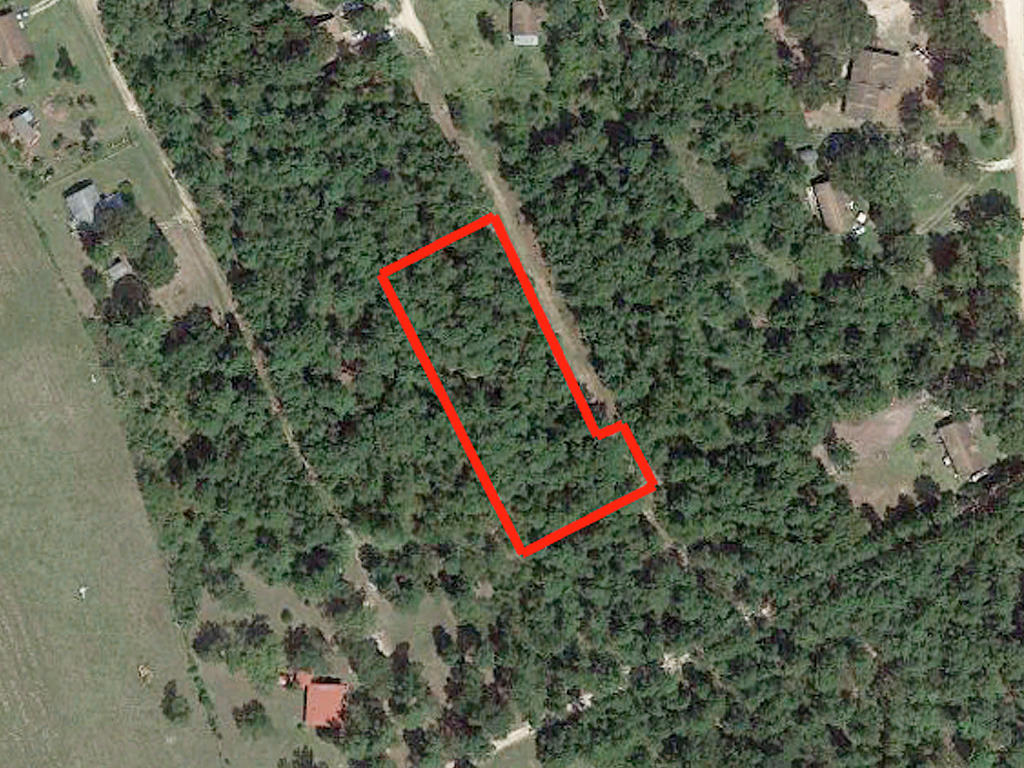 Over an acre in scenic area - Image 1