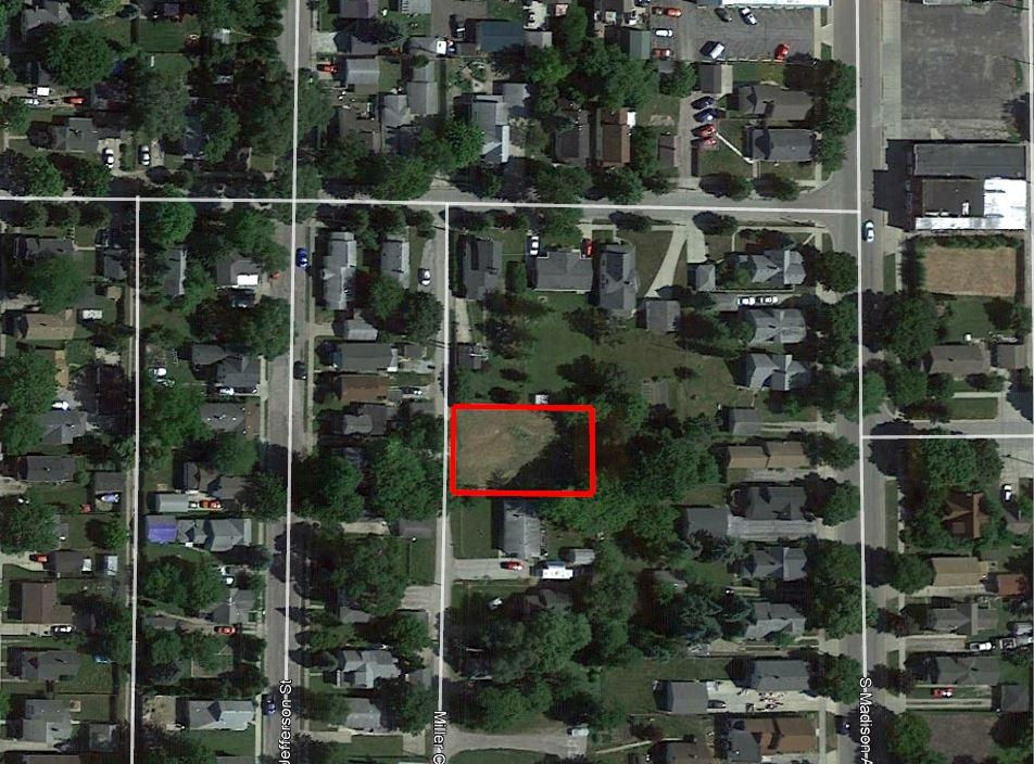 Large Lot with Income Potential in Beautiful Bay City - Image 1