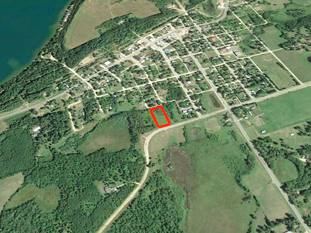 Beautiful Good Size Lot in Akeley - Image 2