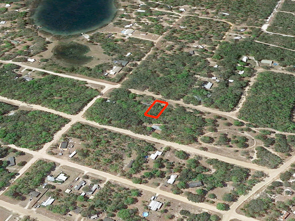 Quarter Acre Residential Interlachen Estate - Image 2