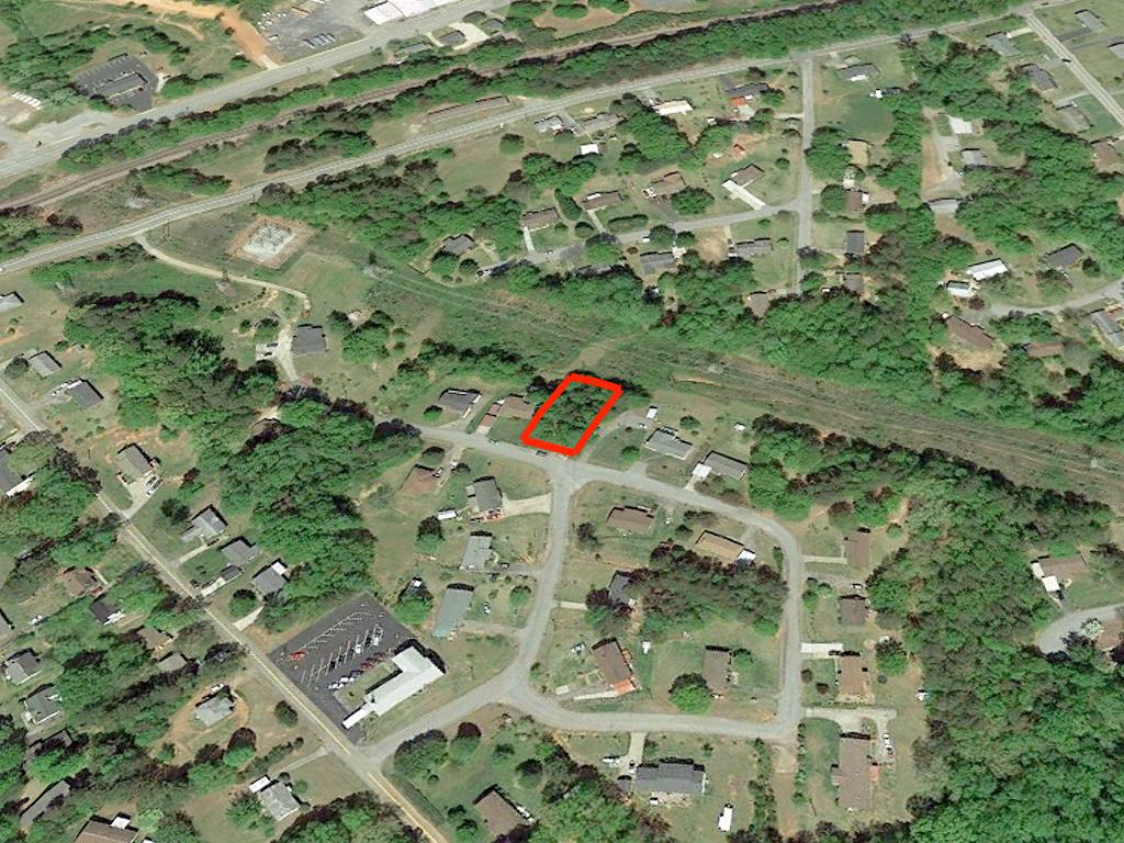 Seneca Suburban Residential Property - Image 2
