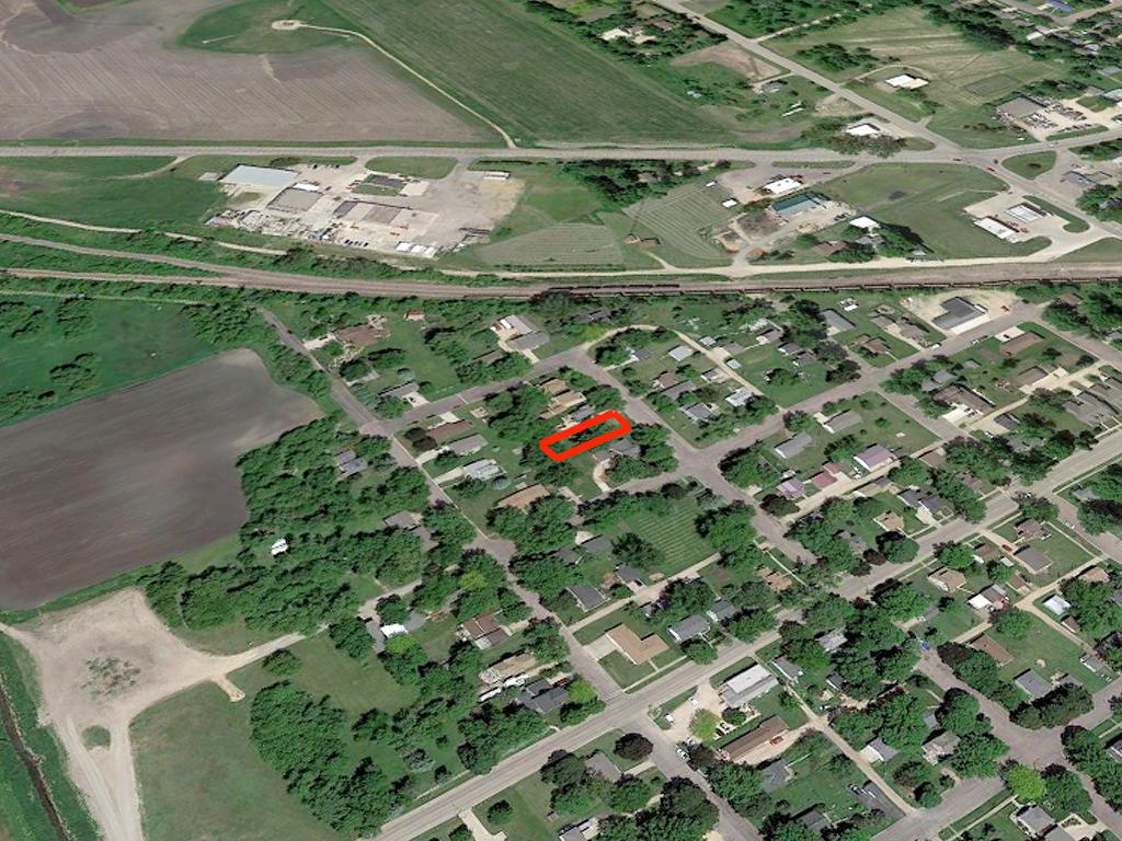 Slice Of Southern Minnesota Suburbia - Image 3