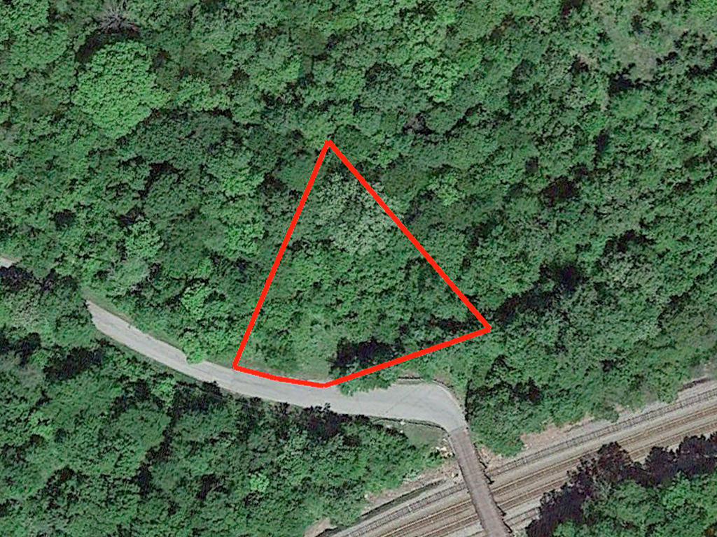 A Half Acre Southern Virginia Gem for the Asking - Image 2