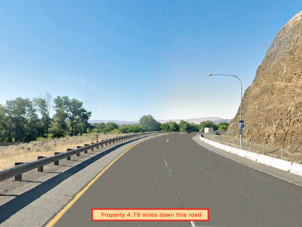 Own a prime view of the Yakima River - Image 5