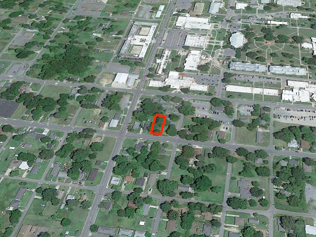 Prime Real Estate Near Lake Pine Bluff - Image 3