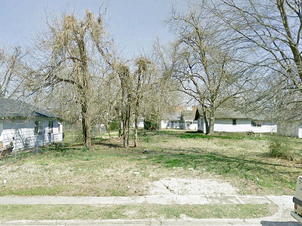 Prime Real Estate Near Lake Pine Bluff - Image 4