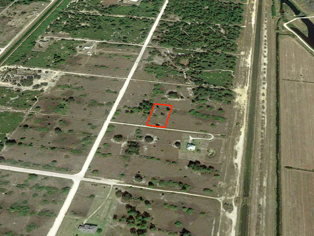 1.25 Acres in Private Area 45 Minutes from Ft. Myers and the Beach - Image 2
