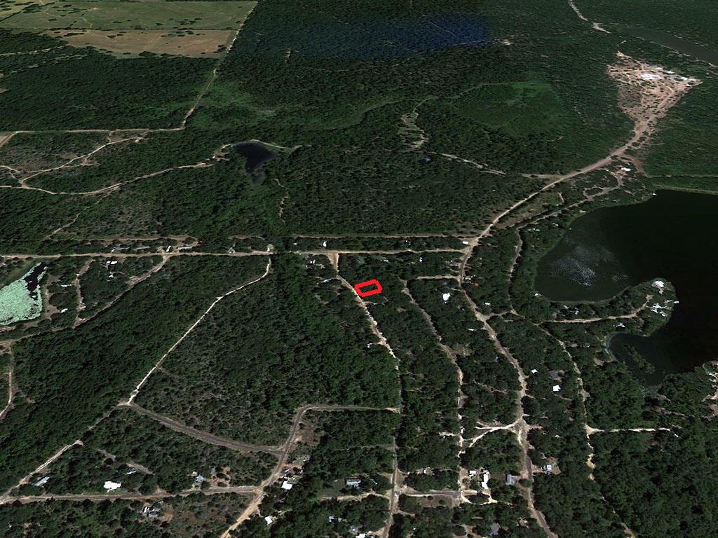 Quarter Acre Lot in Mineola - Image 3