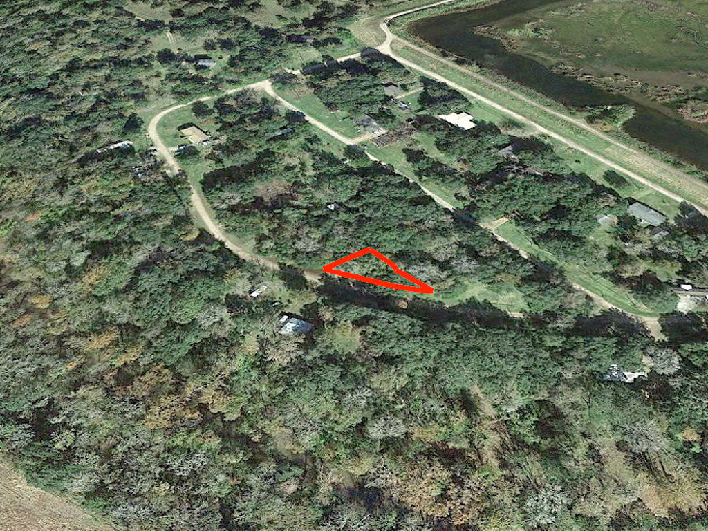 Find Yourself on Secluded Texas Lot - Image 2