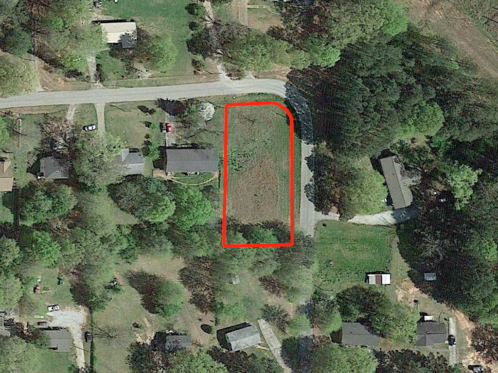 Nearly a half acre in West Newnan - Image 1
