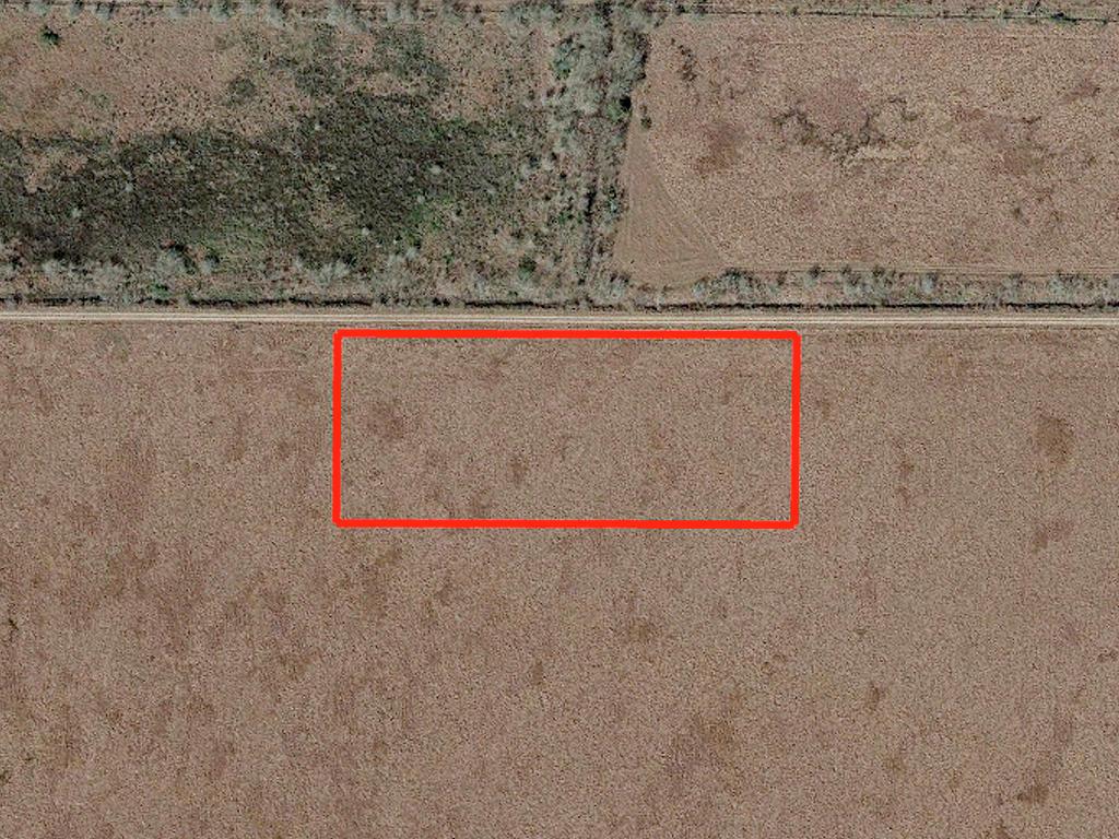Un-Zoned 5 Acre Lot Near San Antonio Bay - Image 1