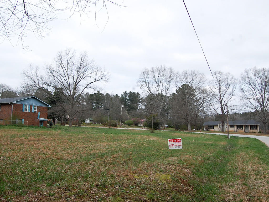 Nearly a half acre in West Newnan - Image 3