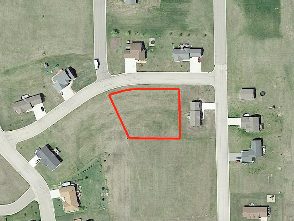 More than Half Acre in Attractive Neighborhood - Image 2