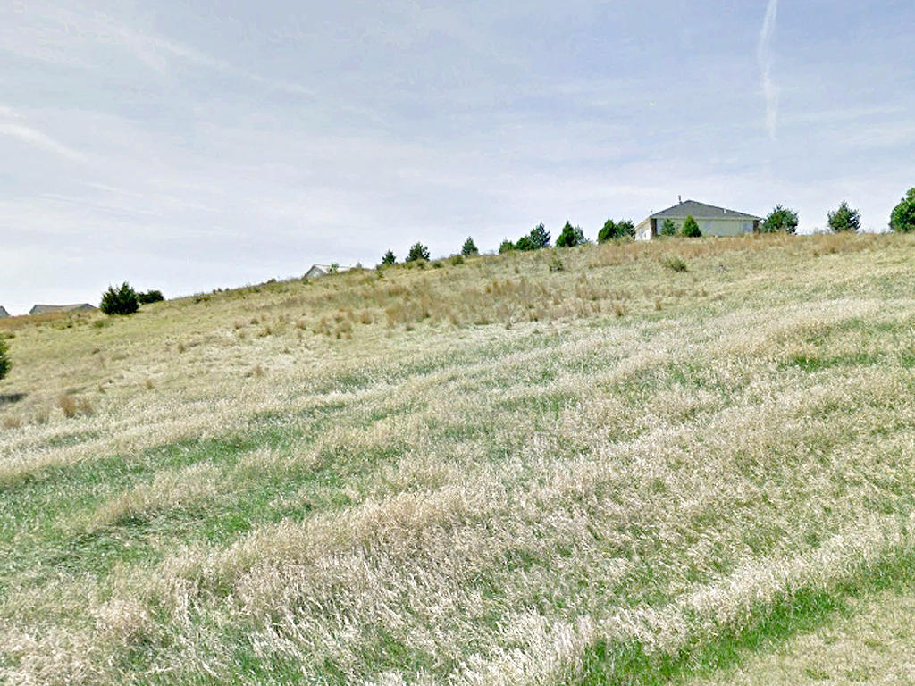 Nearly 2 Acres in Beautiful Nebraska Subdivision - Image 4