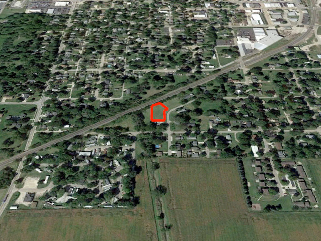 Safe Haven on Nearly Half an Acre - Image 2