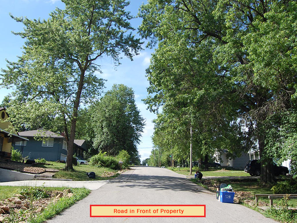Largest Neighborhood Lot In Raytown Subdivision - Image 4