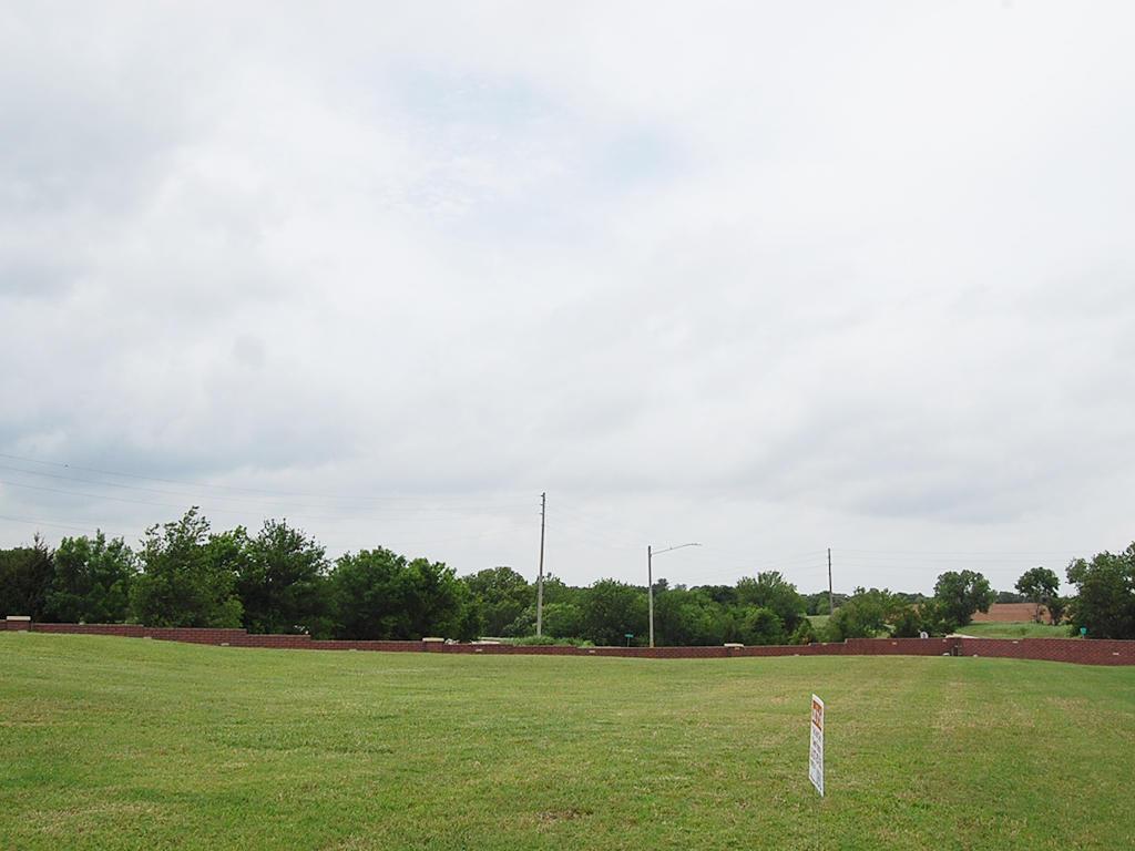 Classic American Living in Arkansas City - Image 4