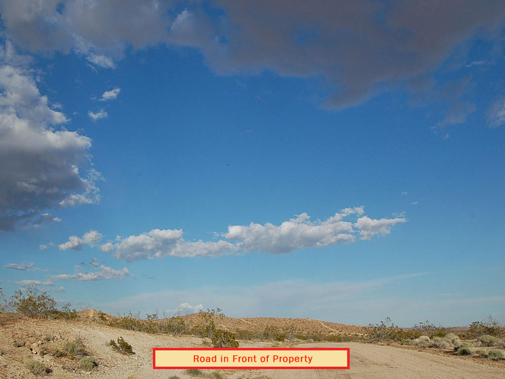 2.5 Acres 20 Minutes outside of California City - Image 4