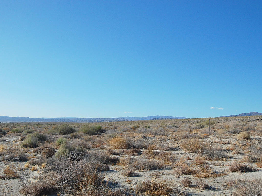 2 Acre Bonanza Only an Hour from Palm Springs - Image 4