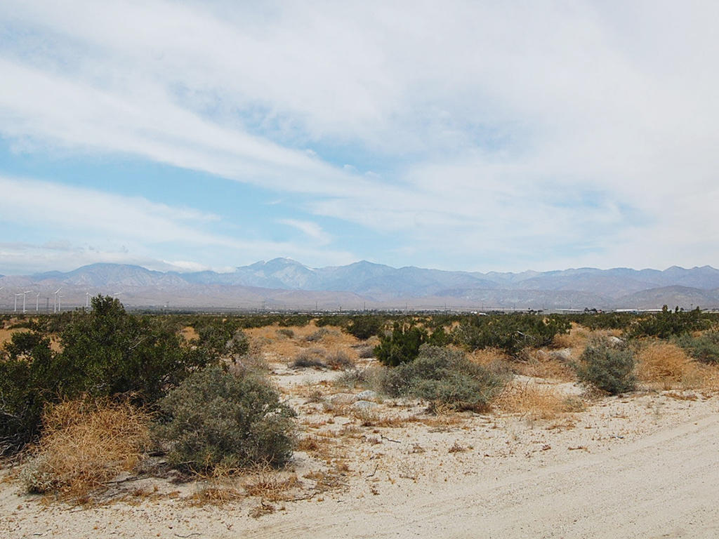 Over Half Acre Outside Desert Hot Springs in California - Image 4