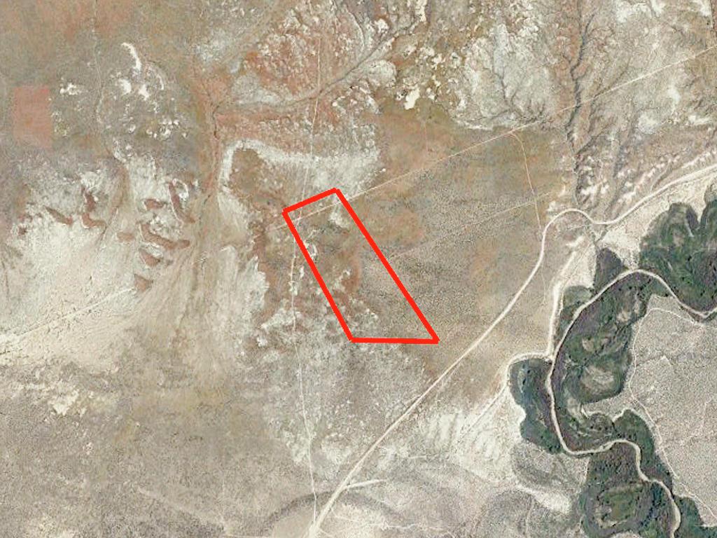 Stunning 40 Acres of Rich Desert Land - Image 2
